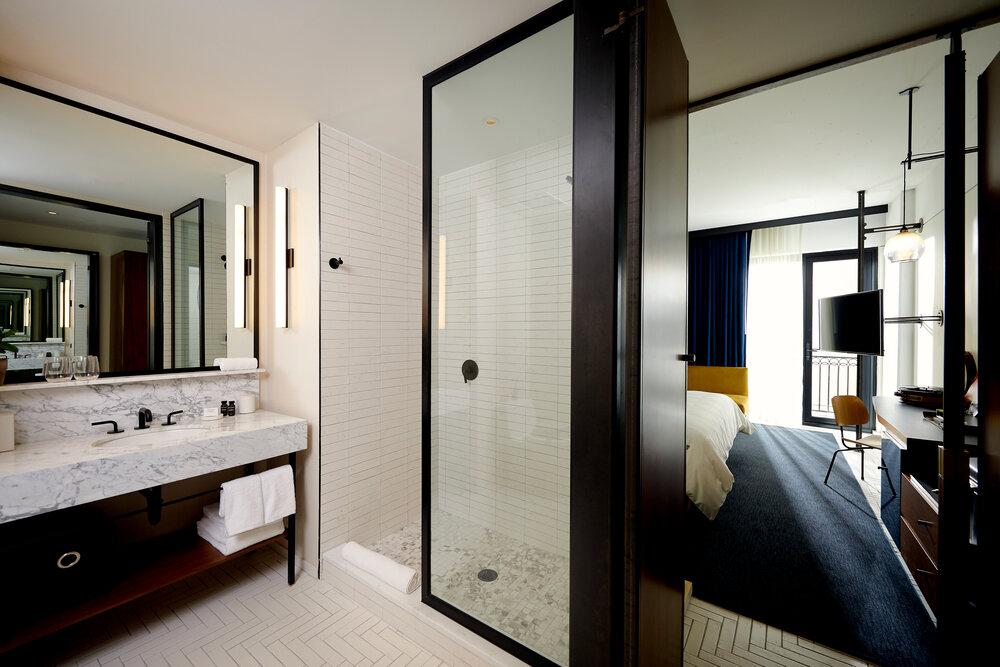 Kansas City Hotel Bathroom