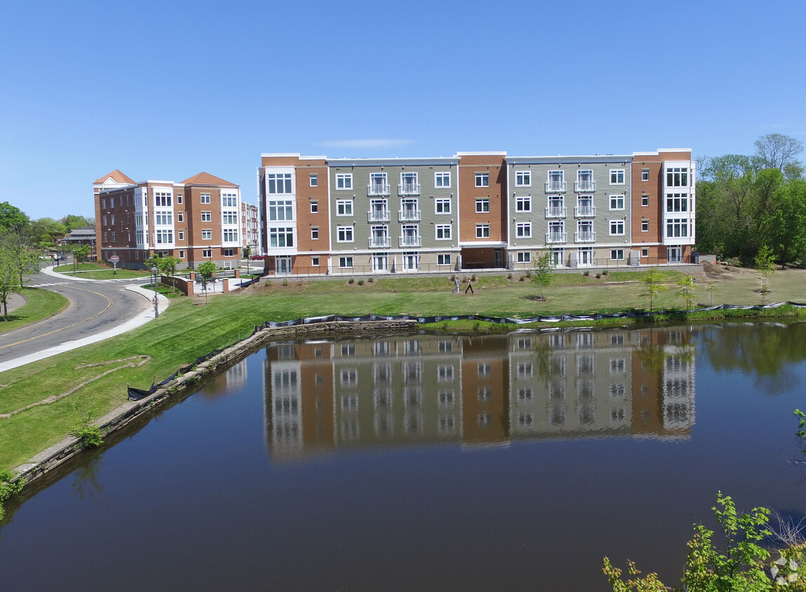 Windsor Station Apartments Exterior